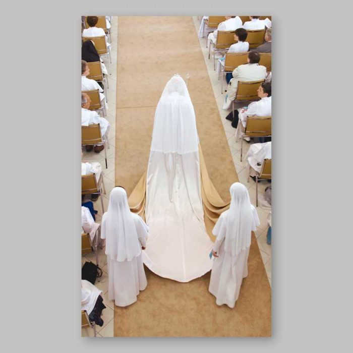 holy picture and photo - marie-paule sovereign - back view